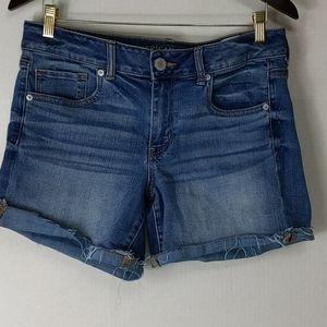 American Eagle -Raw hem blue jean shorts size 14